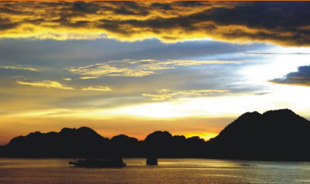 Ha Long Bay Kayaking ( 3 Days 2 nights - Code 005)